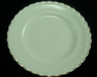 J&G Meakin Sol – cream plates with gold trim