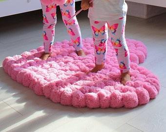 pom pom rug large rug heart rug girl room rug nursery rug