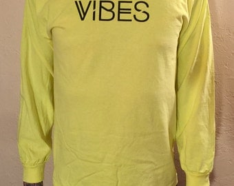 XL - VIBES Long-Sleeve in Neon Yellow