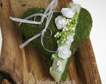 Ring pillow Moss heart white green
