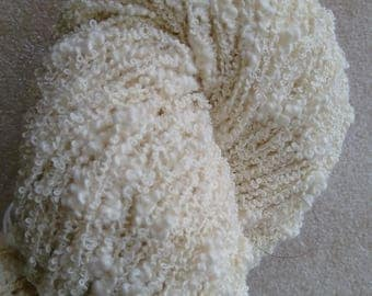 Undyed cotton boucle thick and thin. 100g
