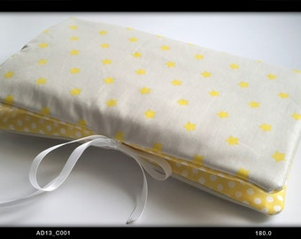 Cover 3-in-1 raw and yellow stars: range layers, protects health book and mini-matelas changing