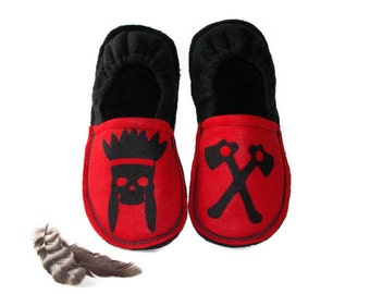 Fathers day gift, slippers men, custom chief dad shoes, red and black, house shoes, indoor soft soles, felt slippers, fleece lining, indian