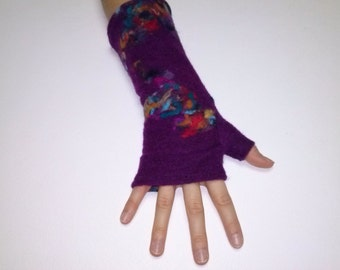 Fuchsia boiled wool mitt inlaid with colors.