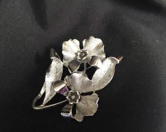 Pin, Brooch, Silver Tone Dogwood Flower Pin