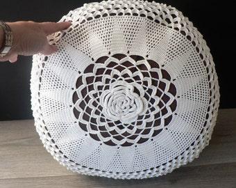 Vintage Crochet White Round Cushion - Boho Pillow - Decorative Pillow - Cottage Chic Pillow