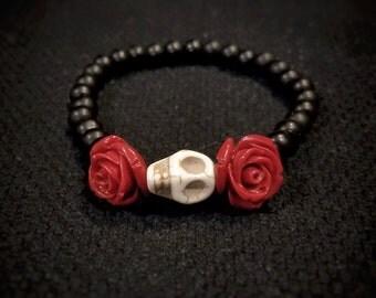Sugar Skull and Rose Beaded Bracelet, Sugarskull Bracelet, Women's Skull Bracelet, Day of the Dead, Gothic Jewelry