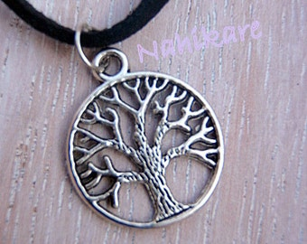 Necklace / Choker Tree of life necklace / Gargantilall with hanging tree of the Small life in antique silver - nature -