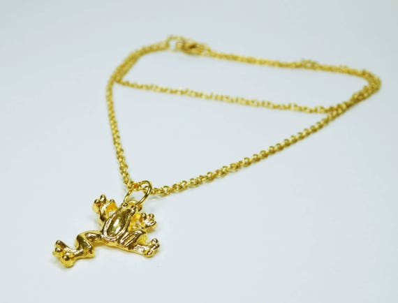 Necklace Frog pendant on gold-coloured links Necklace Frogs Gold Frog ArtJewelryFun