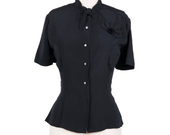 SIZE Vintage 1960s black button up blouse - 60s black blouse - Pin up style blouse with daisy embroidery -