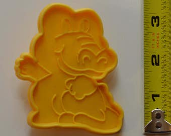 "Super Cute ALLIGATOR COOKIE CUTTER | 3"" Yellow Crocodile Caiman"