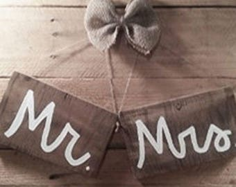 Mr and Mrs Wall Decor - Mr and Mrs Wood Signs - Bride and Groom Signs - Rustic - Wedding Prop Signs - Wedding Decor - Mr & Mrs Wedding Signs
