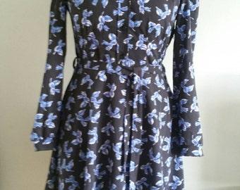 "Vintage Dress. 1980s Clothing. Black and Blue Dress, Flower Print Dress, Shirt Dress Size 10, Long Sleeved Dress, 1980s Dress Bust 38"""