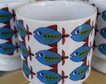 Vintage School of Fish stacking Mugs, 1960s, Mid Mod, Footed Pedestal Mugs, Set of 4