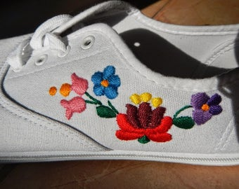 Embroidered sneakers, hand made embroidery, Kalocsa folk art