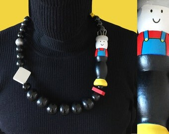 Spool knitting necklace