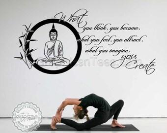 Boeddha inspirerende citaat, wat je denkt dat je geworden, Yoga Lounge Home Wall Art Sticker muurschildering Decal