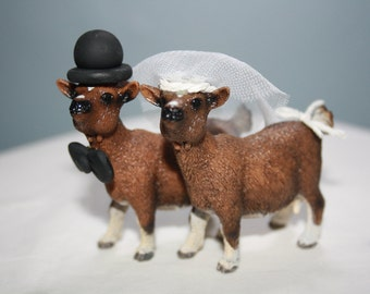 Goat Wedding Cake Topper; Animal Bride and Groom; Country Wedding Decor; Rustic Wedding Decor; Mr and Mrs; Unique Cake Topper; Custom