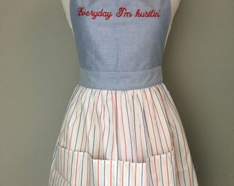 Retro apron, Everyday I'm hustlin quote, bridal shower gift, bachelorette gift, housewarming gift, foodie gift, chef gift, cook, rap gift