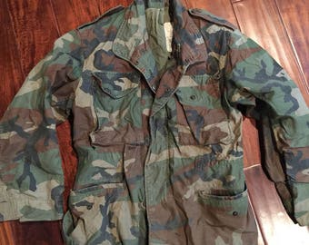 Authentic US military Field Jacket Small Short Woodland Camo Pattern