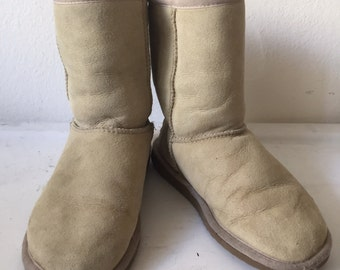 Beige unique women's suede boots, from sheepskin, vintage, ugg style, lining wool, short boots, size 5