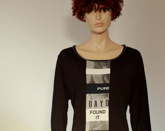 Upcycled t-shirt with patchwork of words, redesigned by Liz & Joe, unique garment, black grey white cotton/elastan