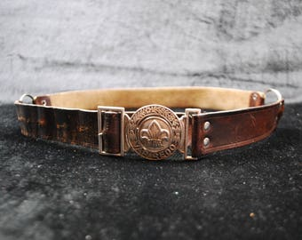 Vintage leather belt , look very good.
