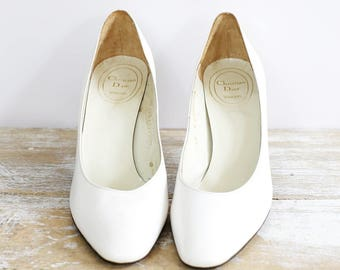 Vintage white leather Christian Dior shoes - Simple white shoes - French fashion - Vintage wedding shoes - Genuine Christian Dior shoes
