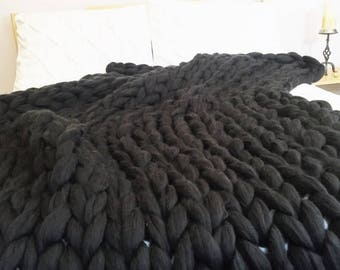 Chunky Knit Vegan Blanket, Super Chunky Vegan Yarn Blanket, Super Bulky,Arm Knit Blanket