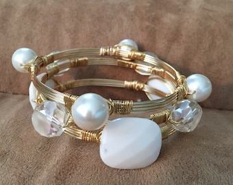Stackable wire bracelets, Wire wrapped white bracelets, Set of 3 stack  bangles. Wire wrapped bangles