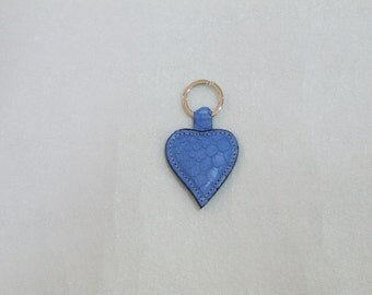 Python handmade heart shaped key ring. Colors: blue, Fuchsia and rock.