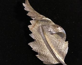 1970s Vintage leaf brooch pin