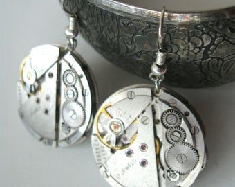 Steampunk earrings Steampunk jewelry Watch movements Dangle earrings Womans earrings Industrial earrings Gift Idea Round earrings