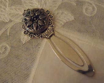 Antique Vintage Button Bookmark Featuring 1940s 2 Part Silver Tone Metal Floral Button Clip-to-Page Mark 3 1/4 inch (85 mm)
