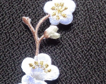 flower white iron on patch