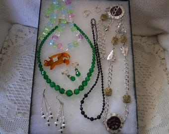 Vintage Jewelry Lot Necklaces Earrings Pins #66