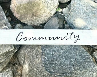 COMMUNITY Pallet Sign