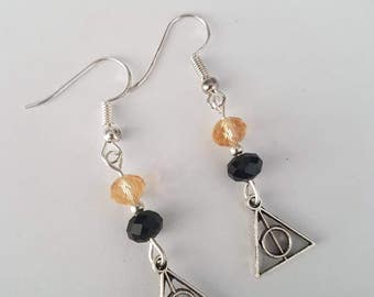 Harry Potter deathly hallows hufflepuff yellow and black Earrings