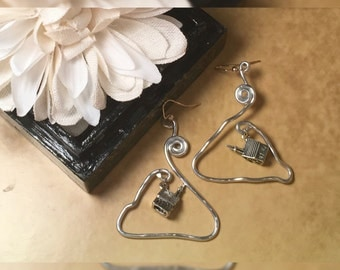 Church House Bendable Wire Earrings