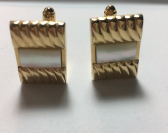 Vintage Mother of Pearl Cuff Links in Gold tone