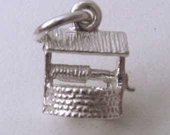 Genuine SOLID 925 STERLING SILVER Wishing Well charm/pendant