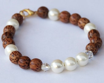 Pearl and Palmwood bracelet - South Sea shell pearls in white - Wooden beads - with Swarovski crystals - Gold wire bracelet