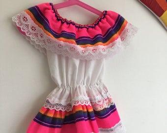 Vintage Children's 1990s Mexican Peasant Top Girls Puebla Style Off Shoulder Shirt Child Size 3T