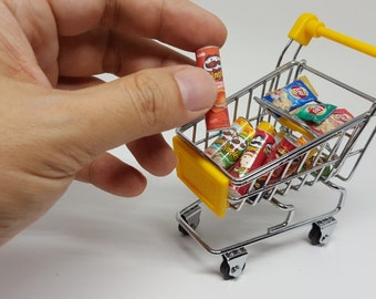 Dollhouse Miniature Stainless Steel Supermarket Shopping Cart and Pringles Lays