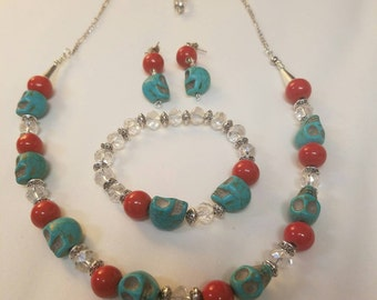 Turquoise skull and red accent set