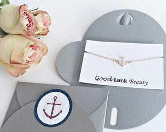 Good luck gift: personalized card + bracelet