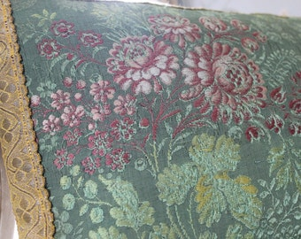Pillow in 18th century French silk, back in vintage linen
