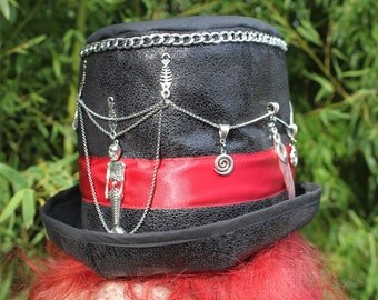 top pirate hat and black Mermaid