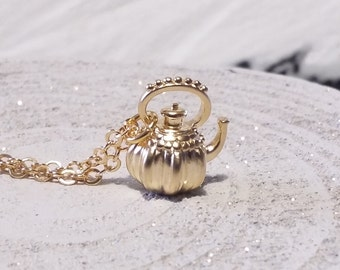 Pretty gold plated kettle charm necklace, teapot, Alice in Wonderland