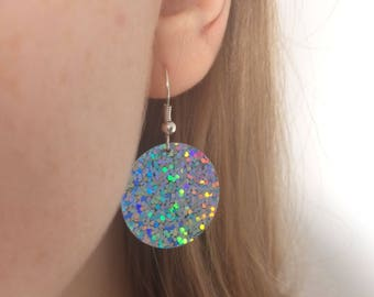 holographic earrings // disc dangle drop // festival iridescent sparkly silver hologram // silver-plated hooks // minimal dainty